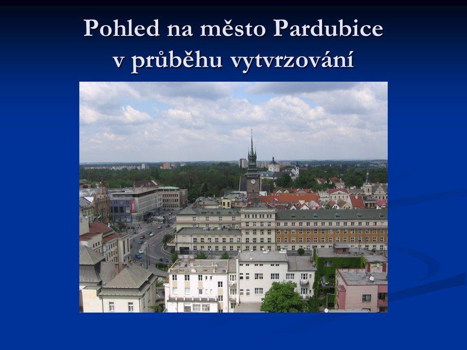 Pohled na město Pardubice v průběhu vytvrzování