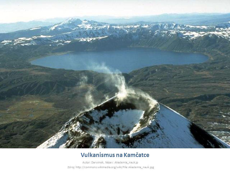 Vulkanismus na Kamčatce Autor: Darwinek, Název: Akademia_nauk.jp Zdroj: http://commons.wikimedia.org/wiki/File:Akademia_nauk.jpg