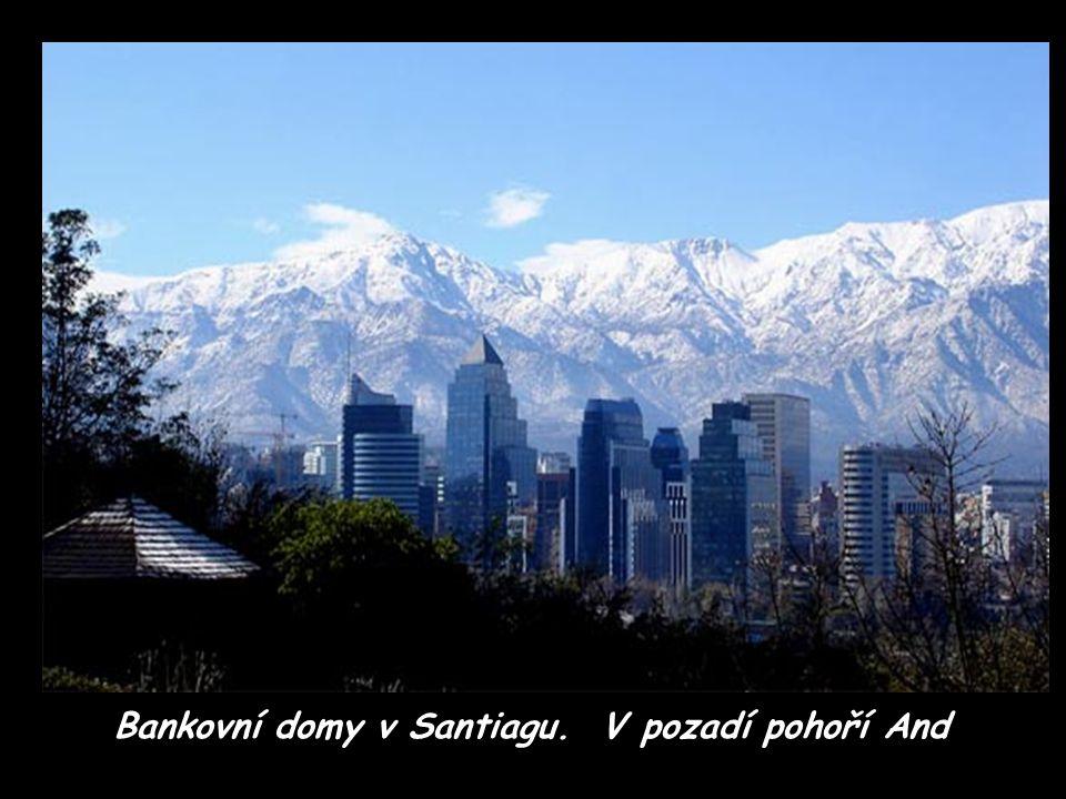 Santiago v ranním oparu