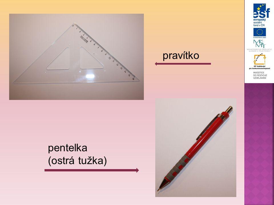 9.Tužkou si odměříme 1 cm od nejkrajnějšího místa srdíčka na každé straně a uděláme tužkou okraj.