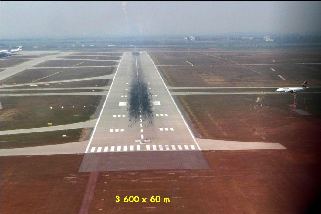 Final approach Rwy 26L