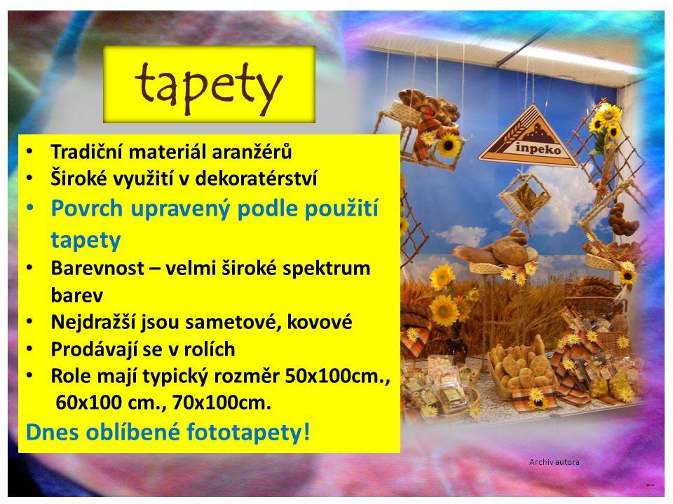 ©c.zuk Archiv autora Tapetování Pro aranžování výkladových prostorů se lepí tapety pomocí speciálních lepidel.