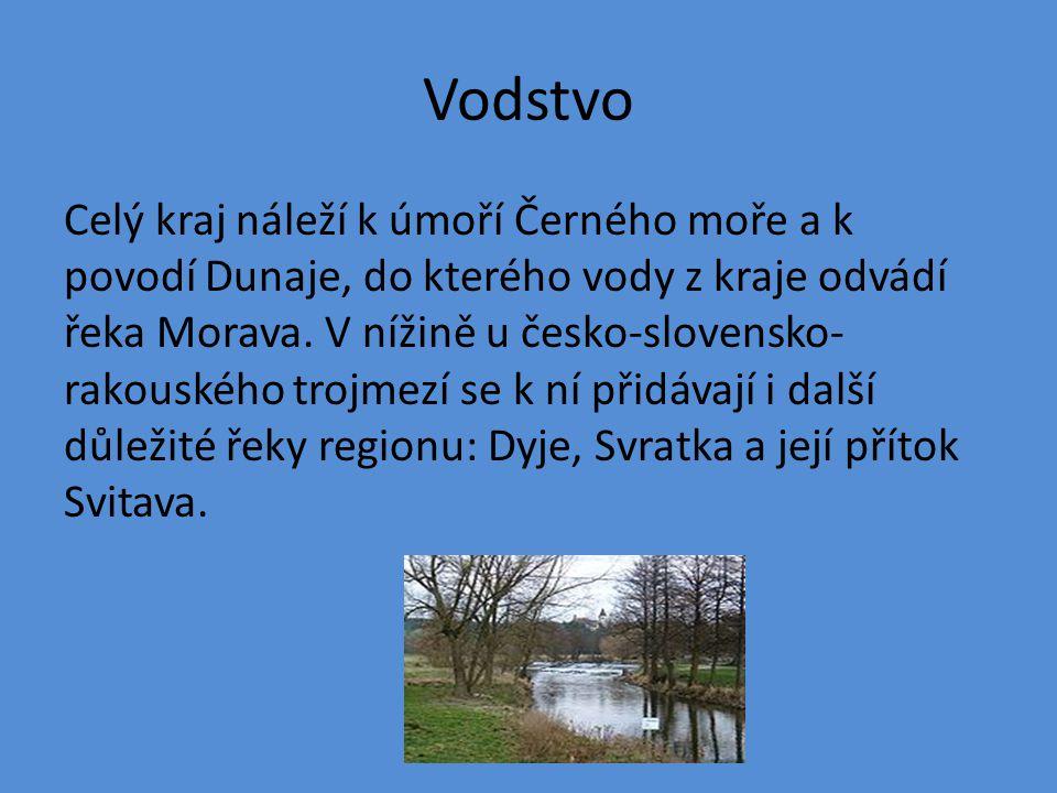 Vodstvo Celý kraj náleží k úmoří Černého moře a k povodí Dunaje, do kterého vody z kraje odvádí řeka Morava. V nížině u česko-slovensko- rakouského tr