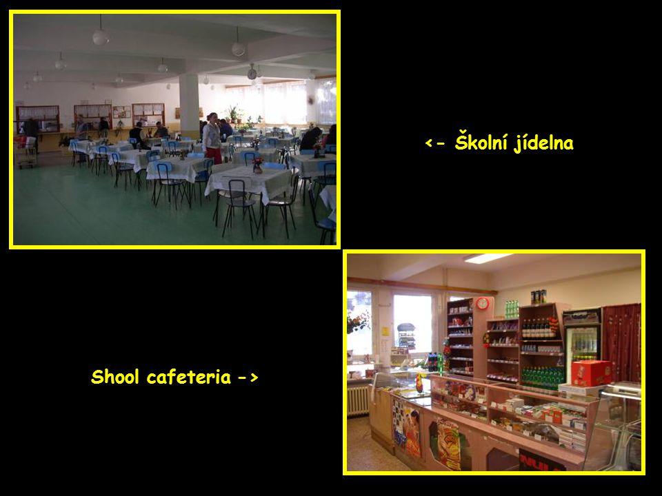 <- Školní jídelna Shool cafeteria ->