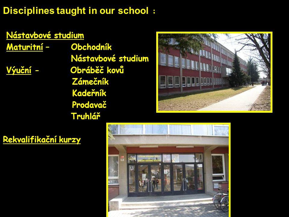 Posilovna Gym Tennis court Fotball ground Sports facilities at the school