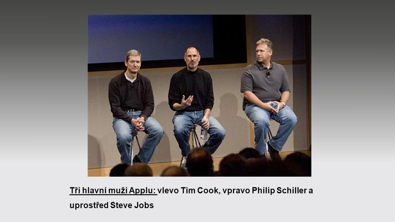 Tři hlavní muži Applu: vlevo Tim Cook, vpravo Philip Schiller a uprostřed Steve Jobs