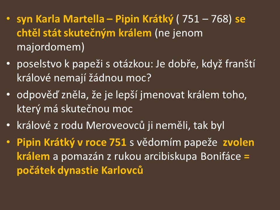 Karel Veliký – první středověký císař v západní Evropě vydával svoje příkazy písemně (sám se naučil číst a psát až jako dospělý) – úředníci museli umět číst a psát umění číst a psát se šířilo pouze v malém okruhu lidí z císařova okolí – Karel ( který se sám naučil číst a psát až jako dospělý) vydával svá nařízení písemně nové písmo – karolínská minuskule – bylo jednodušší, později se z ní vyvinula malá písmena – latinka, velká písmena – majuskule – se převzala z antických nápisů