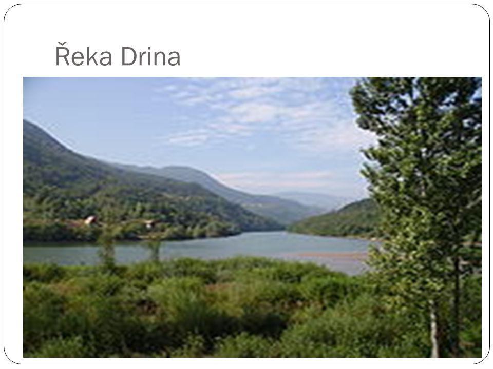Historie Území osídleno ilyrskými kmeny, které zde založily první státní útvary, již ve druhém tisíciletí.