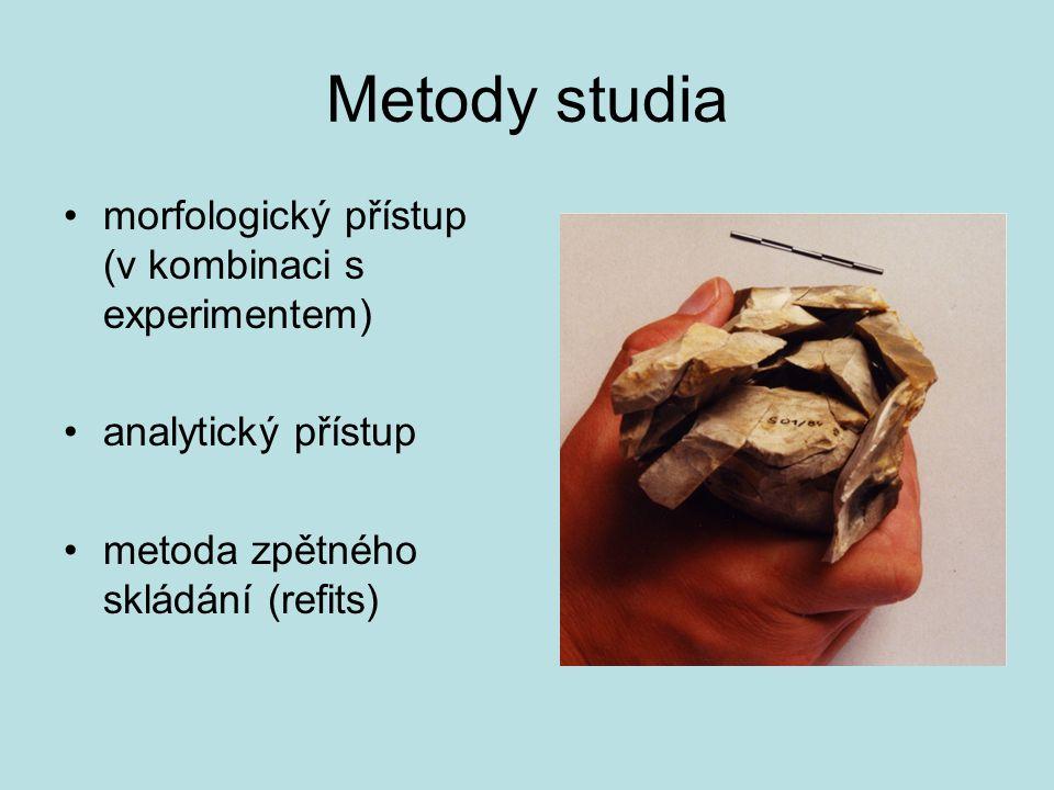 Metody studia morfologický přístup (v kombinaci s experimentem) analytický přístup metoda zpětného skládání (refits)