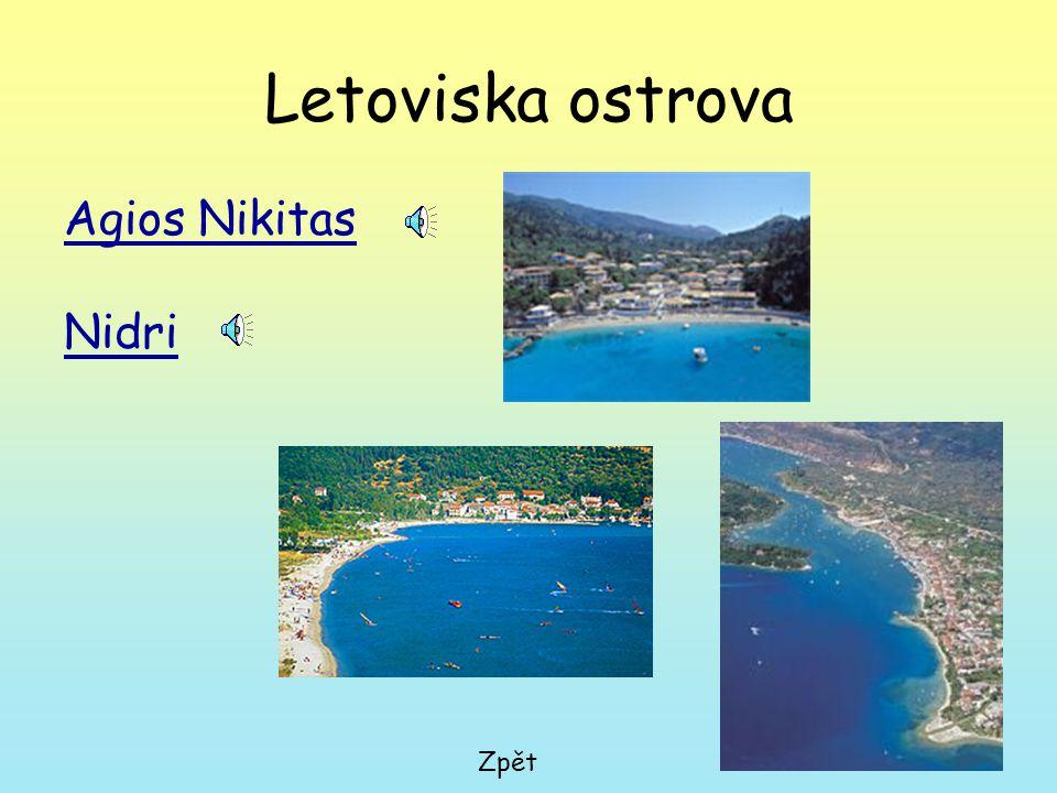 Vrchol Agios Lllias Druhý nejvyšší bod ostrova, na kterém se nachází kaplička, ze které je rozhled po celém ostrově. Cestou mezi Agios Donatos a Agios