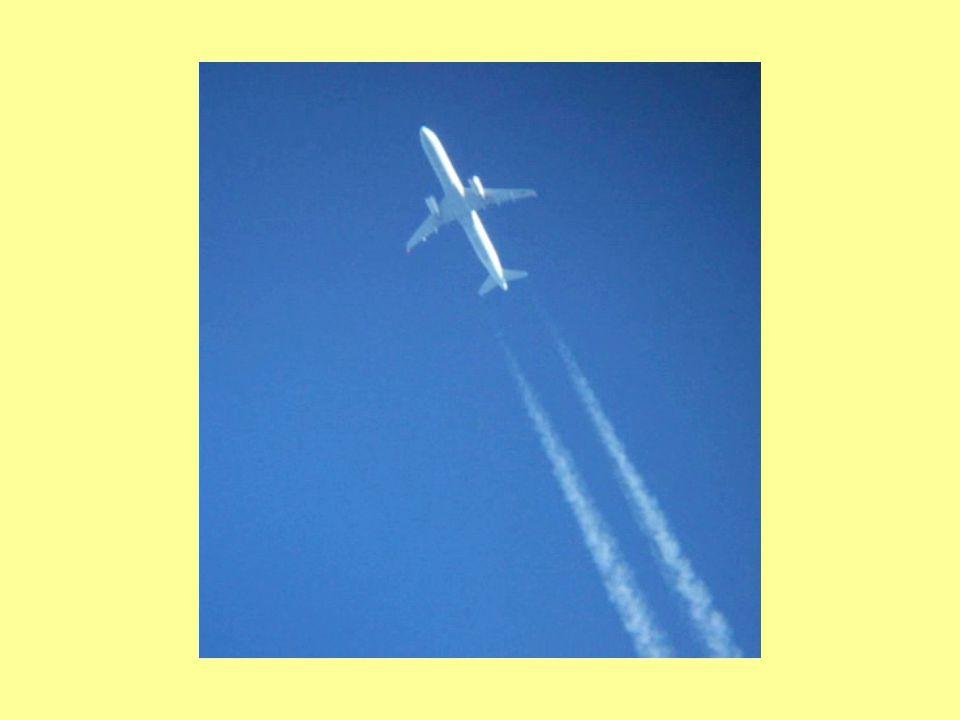 Příklady trajektorie Stopa po lyžích ve sněhu Silnice Kondezační stopa letadla v atmosféře Říční koryto