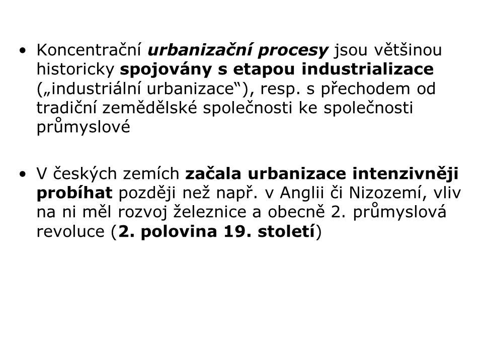 V roce 1843 bylo v českých zemích sečteno 18 % přítomného obyvatelstva v obcích s více než 2 tis.