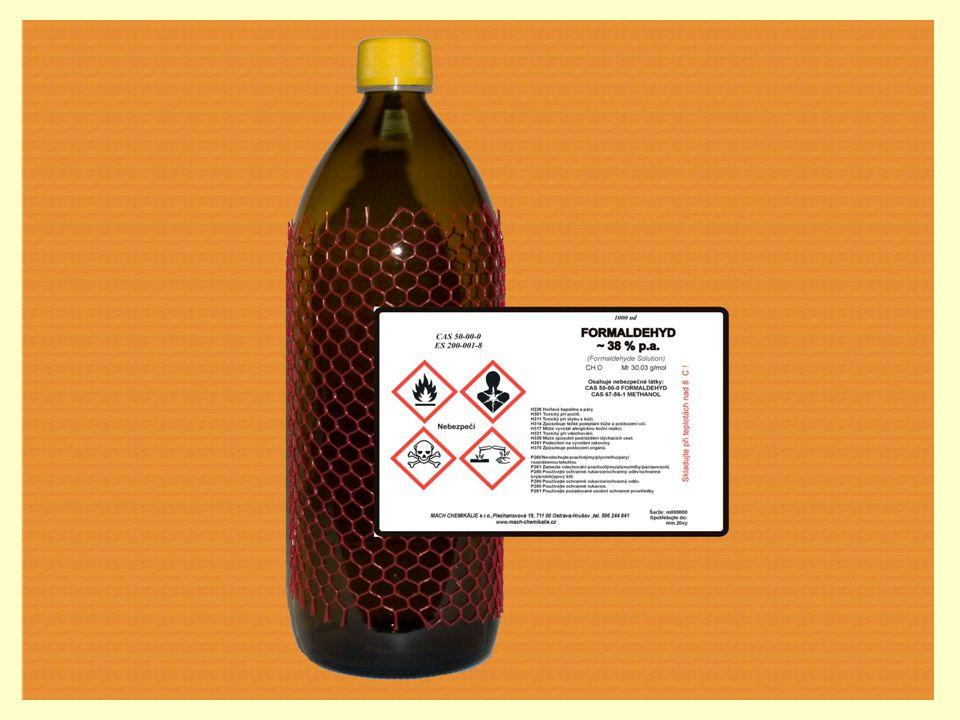 Methanal Je bezbarvý plyn, ostrého zápachu.Je toxický, žíravý a karcinogenní.