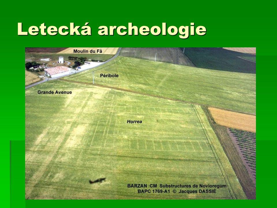 Letecká archeologie