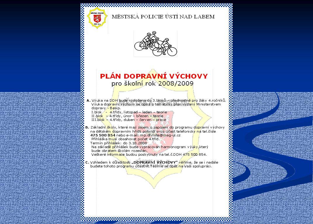 MĚSTSKÁ POLICIE ÚSTÍ NAD LABEM MĚSTSKÁ POLICIE ÚSTÍ NAD LABEM Služba prevence kriminality a dopravní výchovy Služba prevence kriminality a dopravní výchovy SENIOŘI A HANDICAPOVANÍ OBČANÉ Prevence senioři – přednášky a besedy na vybraná témata (dle požadavků) handicapovaní občané – pomoc pro sluchově postižené - tlumočení do znakové řeči