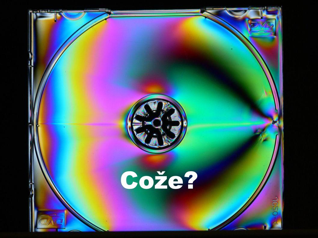 Úhel stáčení roviny polarizace křemenem Zkoumali jsme závislost úhlu stáčení roviny polarizace na vlnové délce paprsku se vzorekem křemene o tloušťce 1.5mm: 650-760nm (červená): 28° 590-650nm (oranžová): 33° 490-550nm (zelená): 42° 430-455nm (modrá): 42.5°