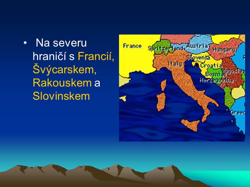 Náboženství V Itálii má největší podíl katolické obyvatelstvo.