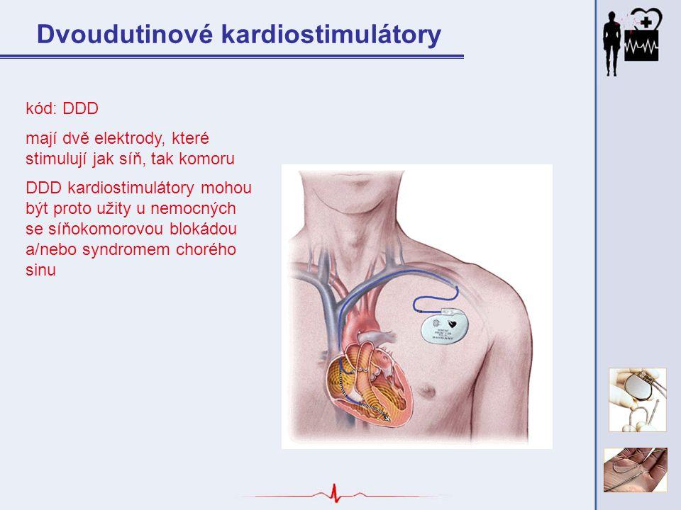 kód: DDD mají dvě elektrody, které stimulují jak síň, tak komoru DDD kardiostimulátory mohou být proto užity u nemocných se síňokomorovou blokádou a/n