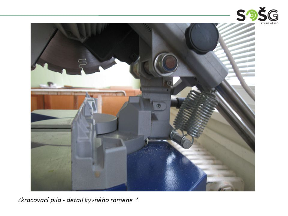 Vícekotoučová rozřezávací pila PWR 201 TOS Svitavy - detail Zkracovací pila - detail kyvného ramene 5