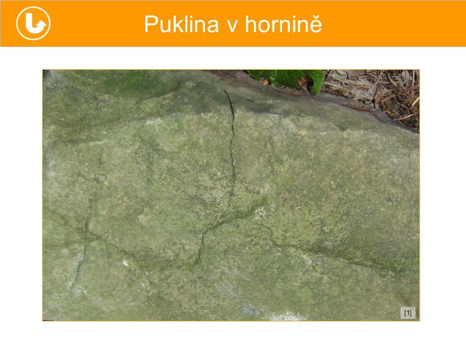 Puklina v hornině [1][1]