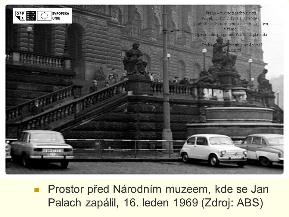 Prostor před Národním muzeem, kde se Jan Palach zapálil, 16.