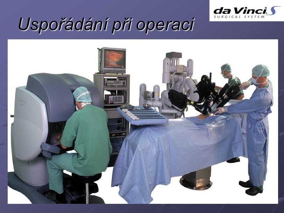 Uspořádání při operaci
