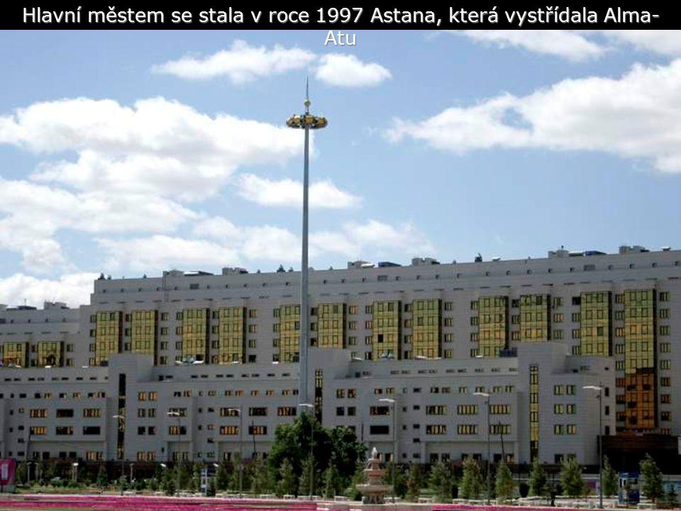 Hlavní městem se stala v roce 1997 Astana, která vystřídala Alma- Atu