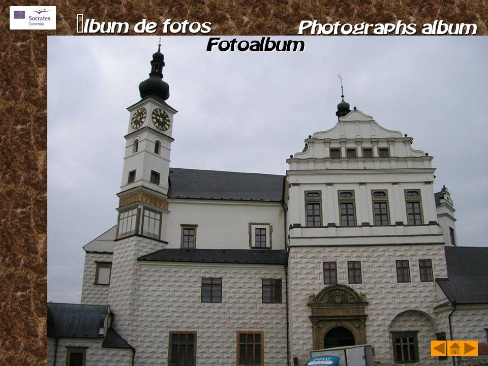       Kladruby nad Laben Granja Escuela de Equitación Kladruby nad Laben Granja Escuela de Equitación