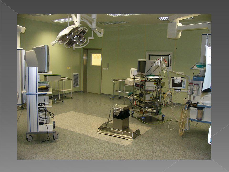 Diagnostické výkony - primární a sekundární sterilita, program IVF - infertilita, second -look po resekci septa nebo myomu - recidivující abnormální uterinní krvácení - vizualizace nálezu při intrauterinních defektech opacity zjištěných při HSG nebo hysterosonografii (polypy,myomy,cizí tělesa) - lokalizace intrauterinních tělísek - follow-up endometriální hyperplasie - suspektní UZ nálezy endometria ( HRT, Tamoxifen)