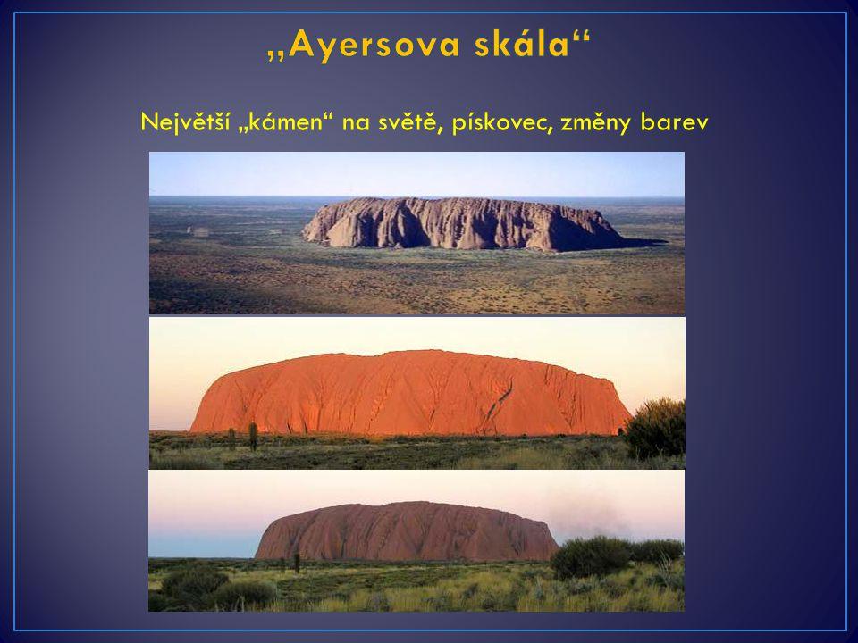 """Největší """"kámen"""" na světě, pískovec, změny barev"""