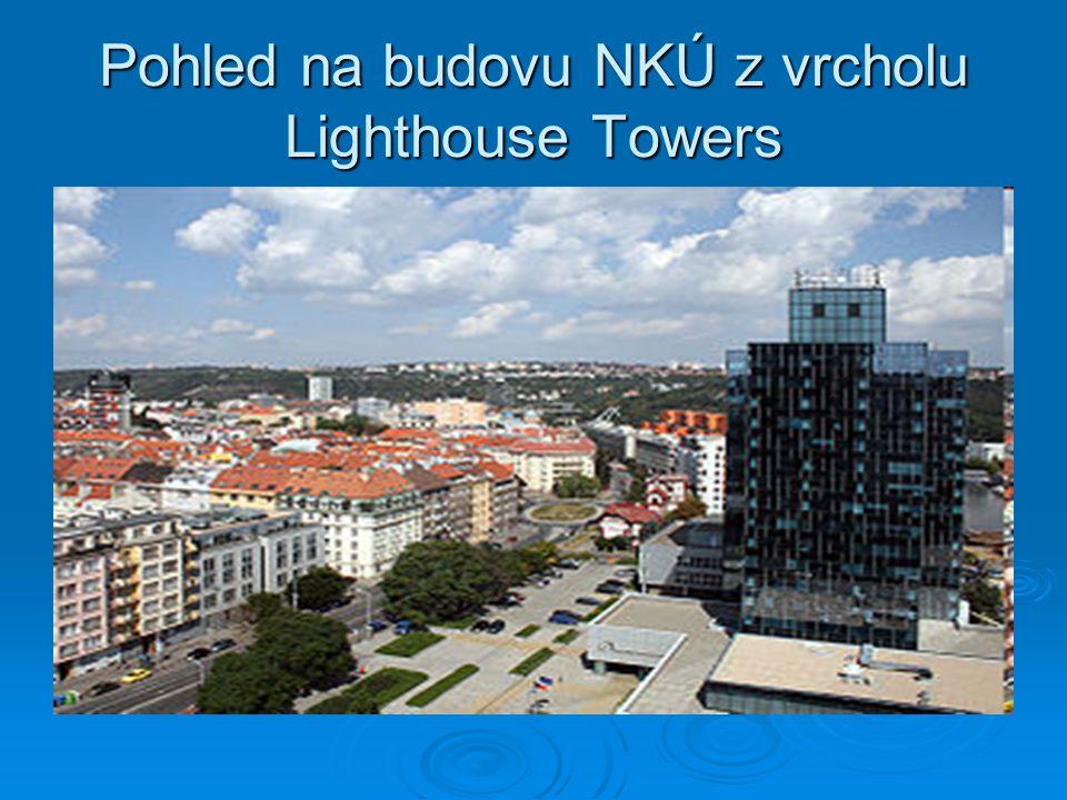 Pohled na budovu NKÚ z vrcholu Lighthouse Towers