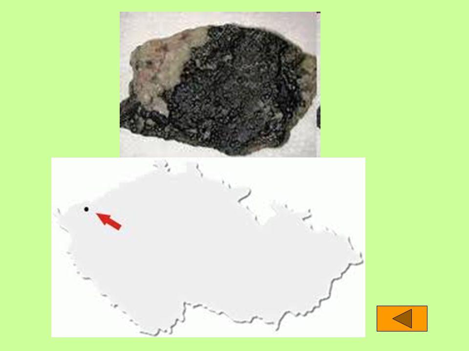 """Smolinec V Jáchymově se od 16.st. těžila stříbrná ruda Když došli horníci na konec stříbrné žíly, narazili často na černý kámen Hornině začali říkat """""""