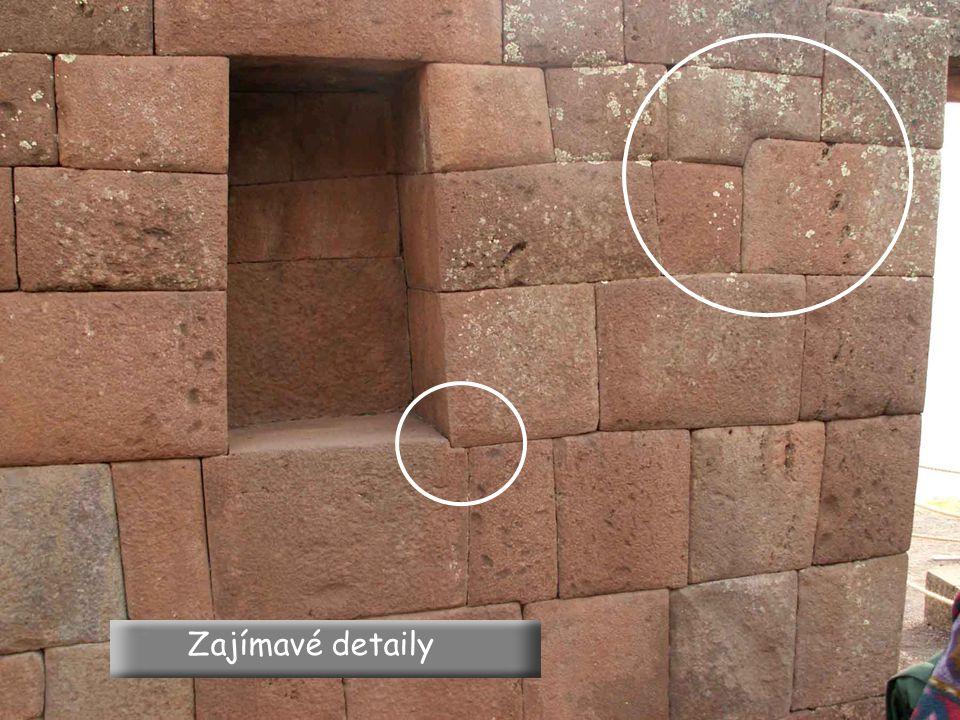Všechny zdi mají sklon 12 ° do místnosti, aby snáze odolávaly seismickým vlnám