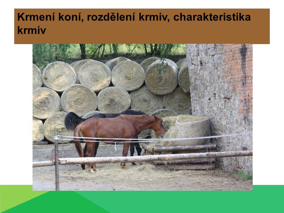 Charakteristika krmiv Rozdělení krmiv 1.podle původu  rostlinná  živočišná  minerální 2.