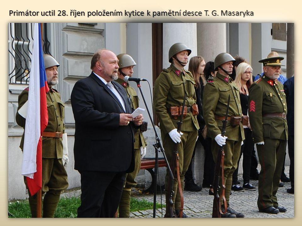 Primátor uctil 28. říjen položením kytice k pamětní desce T. G. Masaryka
