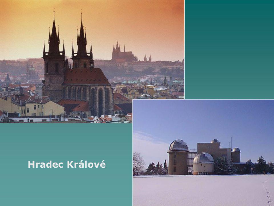 Sídla  Pardubice (91 000 obyvatel, univerzita)  okresy: Chrudim, Svitavy, Ústní nad Orlicí  převaha malých sídel do 10 000 obyvatel  dříve německé osídlení