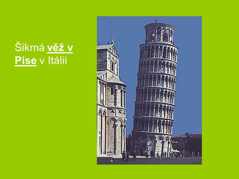 Šikmá věž v Pise v Itálii