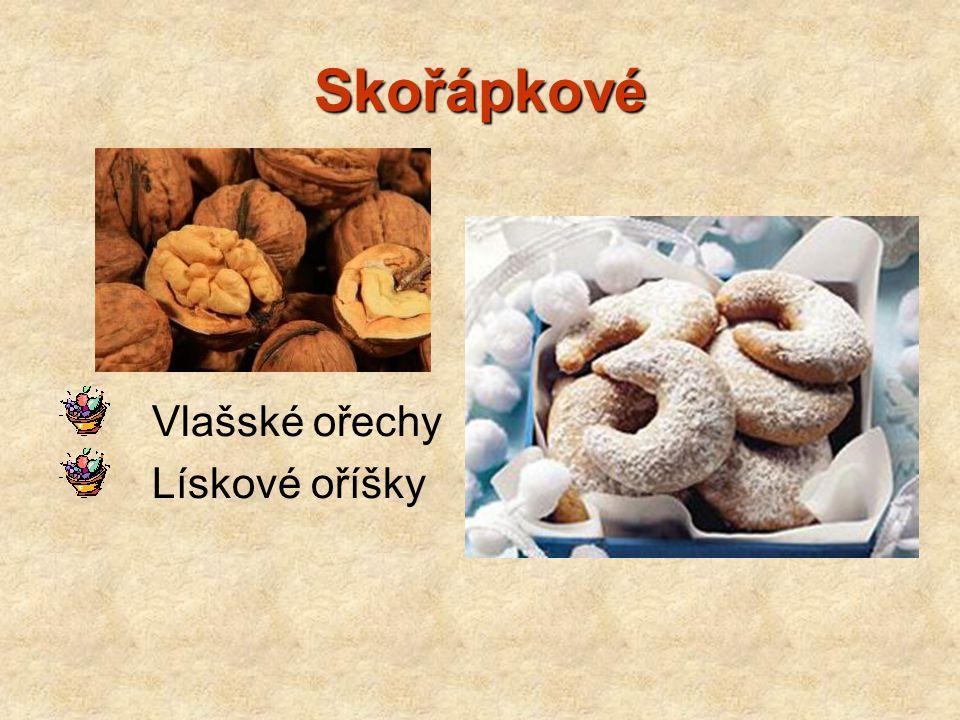Skořápkové Vlašské ořechy Lískové oříšky