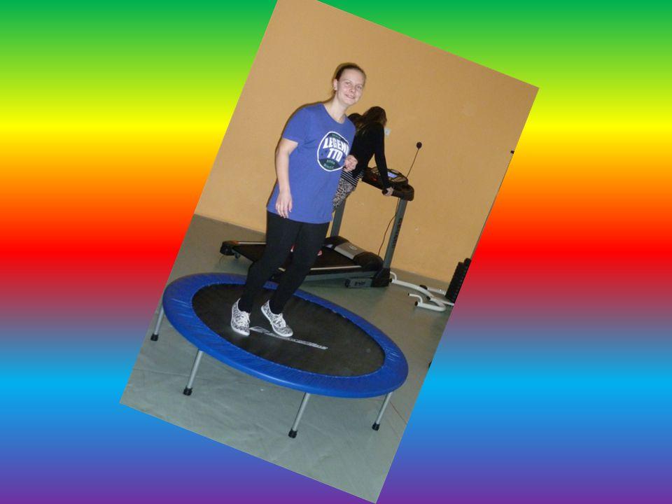 Trampolína Slouží k zlepšení stability Posiluje stehenní a lýtkové svalstvo