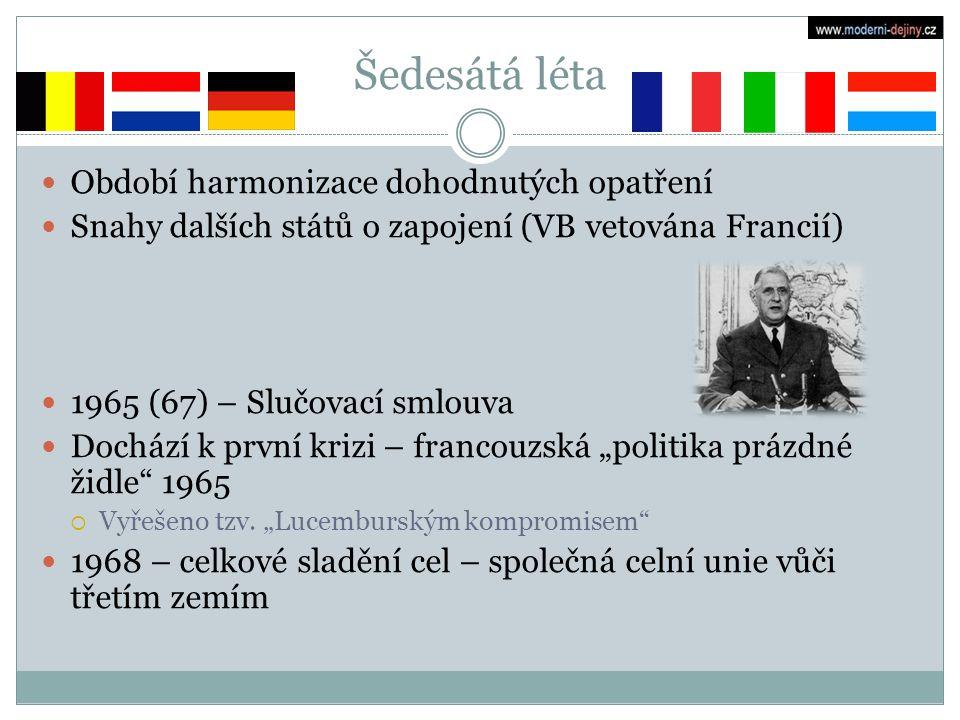 """Sedmdesátá léta Někdy nazýváno obdobím """"eurosklerózy 1973 přistoupení nových členů: Dánsko, Irsko, Velká Británie  Francie přestala Británii blokovat, protože De Gaulle odstoupil z funkce prezidenta roku 1969 Norsko v referendu vstup odmítlo 1973 první ropný šok: krize integrace 1979 Evropský měnový systém 1979 první přímé volby do Evropského parlamentu"""
