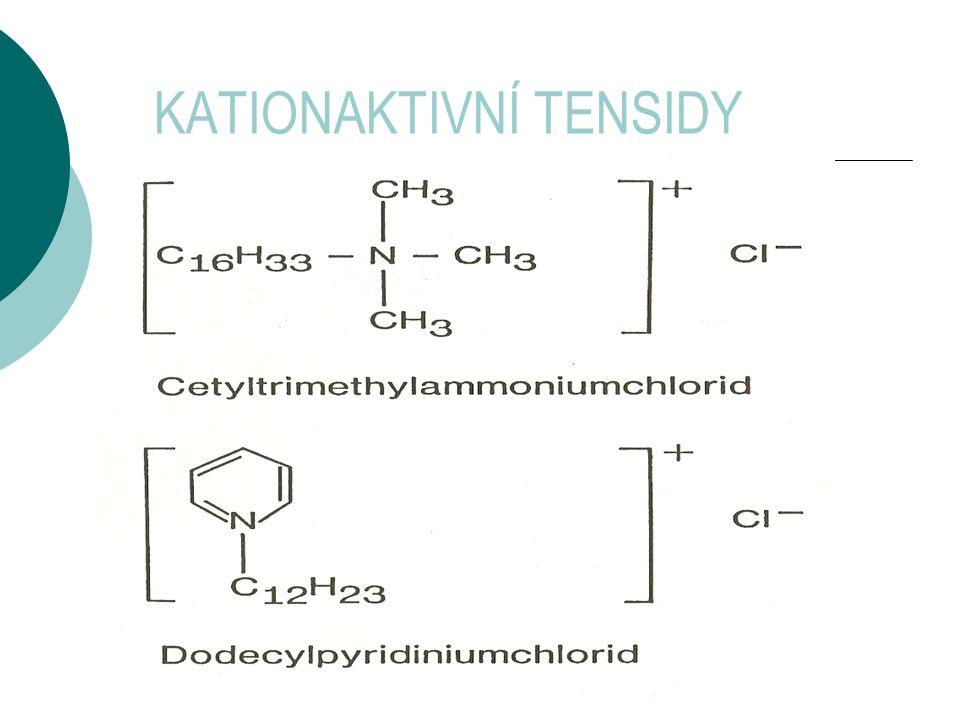 Anionaktivní tensidy 3,0 – 15,0 % hm.