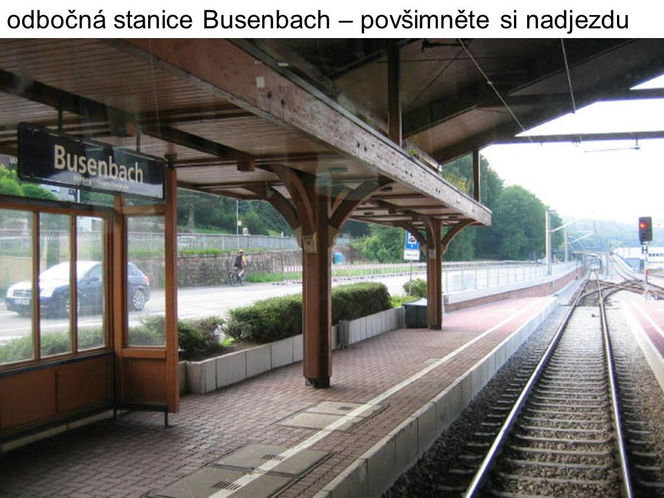 odbočná stanice Busenbach – povšimněte si nadjezdu