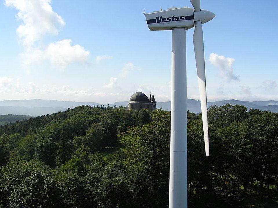 Svatý Hostýn (Hostýn) je kopec v Hostýnských vrších (735 m) tento kopec leží asi 3 km jihovýchodně od města Bystřice pod Hostýnem, nachází se ale v katastru obce Chvalčov na vrcholu se nachází významné mariánské poutní místo celý komplex zahrnuje baziliku Nanebevzetí Panny Marie, ubytovny pro poutníky, křížovou cestu Dušana Jurkoviče, větrnou elektrárnu a vyhlídkovou věž podle archeologických nálezů se zde nacházelo rozlehlé pravěké hradiště po Hostýně je mj.