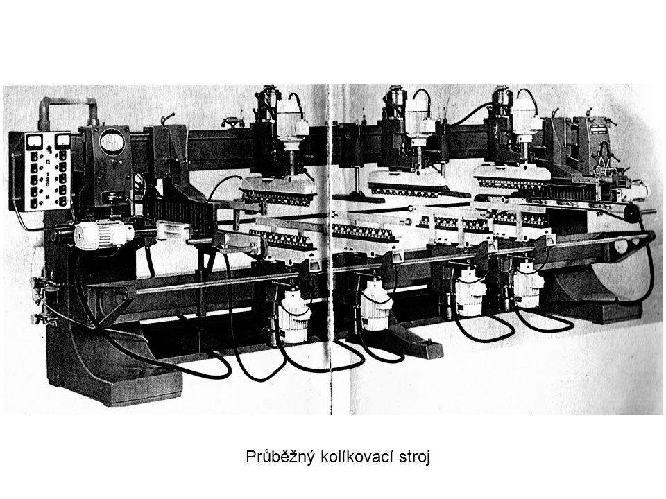 Průběžný kolíkovací stroj