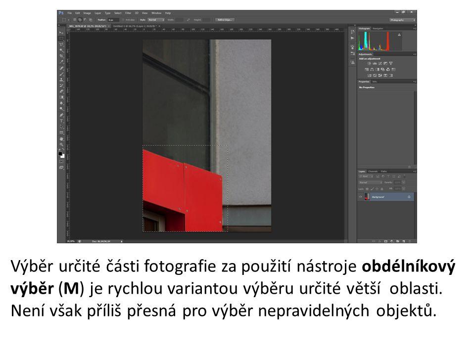 Výběr určité části fotografie za použití nástroje obdélníkový výběr (M) je rychlou variantou výběru určité větší oblasti.