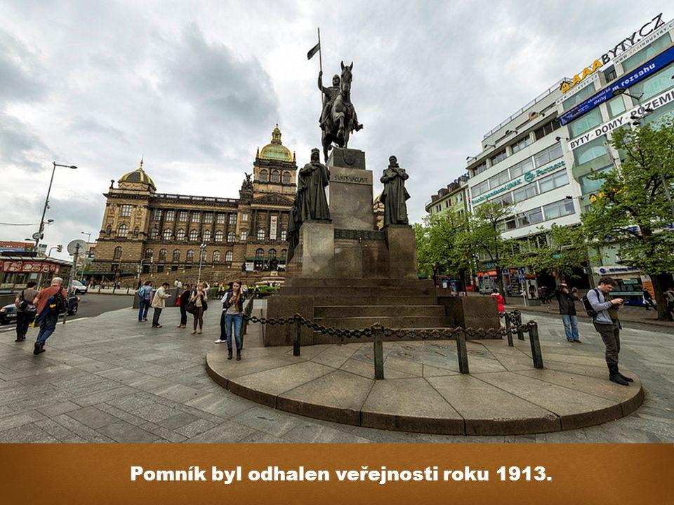 Pomník byl odhalen veřejnosti roku 1913.
