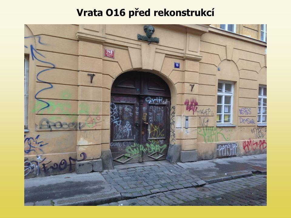 Vrata O16 před rekonstrukcí
