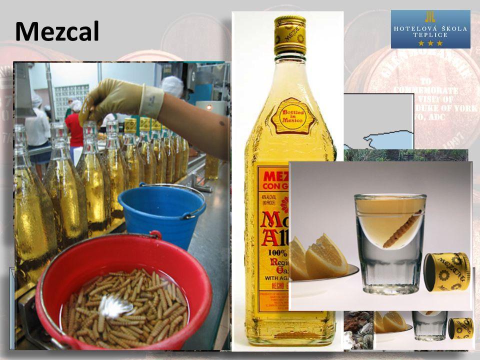 Mezcal Výroba:1.V oblasti Oaxaca 2.Jiný druh agave (Tequila - agave tequilana Weber, Mezcal – agave espadin) 3.Pečení piña v kamenné díře 4.Do některých druhů se vkládá larva motýla (Gusano)