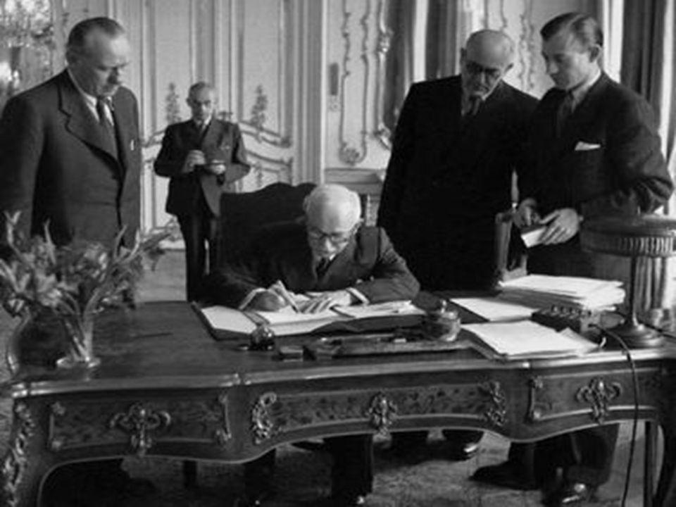 Preambule ČSR je lidovědemokratickou republikou ČSR je lidovědemokratickou republikou v jednotném státě Čechů a Slováků je lid jediným zdrojem moci v jednotném státě Čechů a Slováků je lid jediným zdrojem moci bude odstraněno vykořisťování člověka člověkem bude odstraněno vykořisťování člověka člověkem cílem veškerého usilování ve státě je vybudování socialismu cílem veškerého usilování ve státě je vybudování socialismu