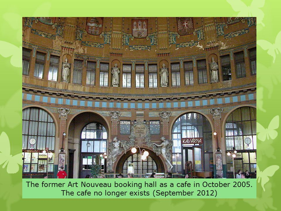 The former Art Nouveau booking hall as a cafe in October 2005.